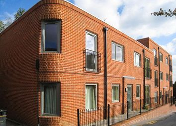 Thumbnail 2 bed flat to rent in North Lane, Yeovil