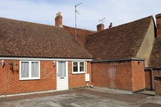 Thumbnail 1 bed flat to rent in High St, Bucks