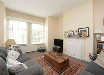 2 bed maisonette to rent in Boundaries Road, Balham, London SW12