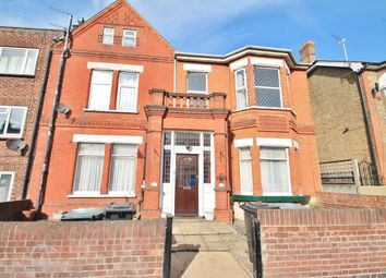 Thumbnail 1 bed flat to rent in Kent Road, Gravesend, Kent