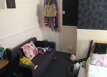 Thumbnail 1 bedroom flat to rent in Finsbury Terrace, Swansea