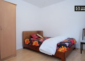 Thumbnail Room to rent in High Street South, London