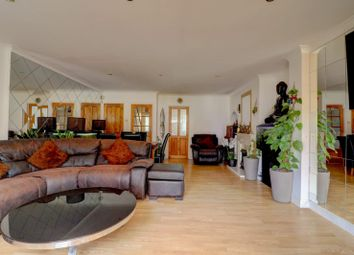 6 bed semi-detached house to rent in Birch Road, Romford RM7