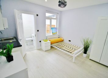 Thumbnail Studio to rent in Prospect Road, Woodford Green