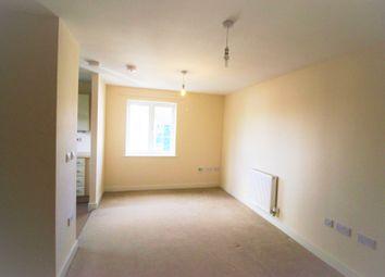 Thumbnail 2 bedroom flat to rent in Lynn Crescent, Fareham