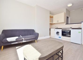 1 bed flat to rent in Wood End Gardens, Northolt, Middlesex UB5
