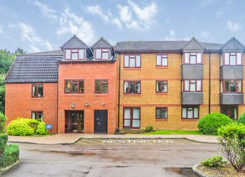 Crescent Dale, Shoppenhangers Road, Maidenhead SL6. 2 bed flat