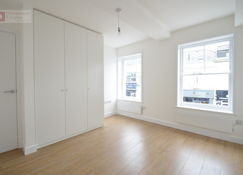 Thumbnail 2 bed flat to rent in High Street, Brentwood