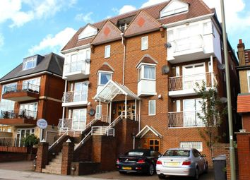 Thumbnail 2 bed flat to rent in Queens Road, Hendon, London