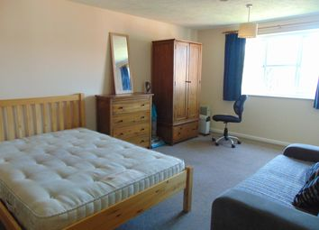 Thumbnail 1 bed flat to rent in Marmet Avenue, Letchworth Garden City