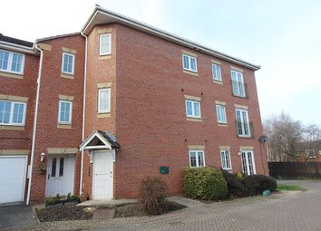 2 bed flat for sale in Kensington Way, Leeds LS10