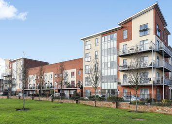 Thumbnail 2 bed flat for sale in Evesham House, Battle Square, Reading