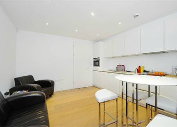 Thumbnail 1 bed flat to rent in King's Mews, London