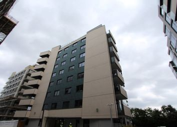 Thumbnail 1 bed flat to rent in Kingfisher Heights, Waterside Way, London