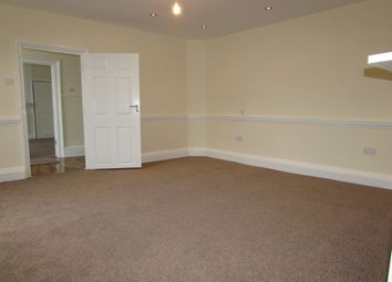 Thumbnail 3 bedroom flat to rent in Upton Road, Slough