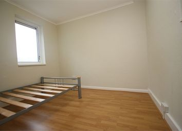 Thumbnail 3 bed flat to rent in Shrubland Road, London
