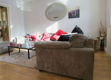 Thumbnail Room to rent in Valley Rise, Watford, Hertfordshire