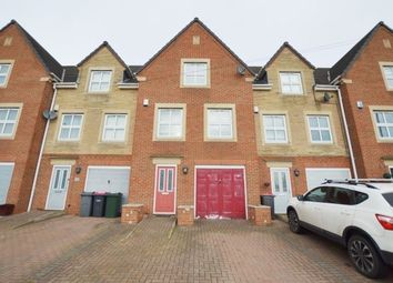 4 bed town house to rent in The Pastures, Todwick, Sheffield S26
