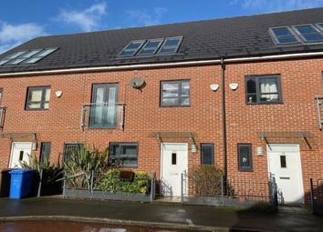 4 bed town house to rent in Kempster Gardens, Salford M7