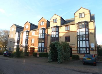 Thumbnail 2 bedroom flat to rent in Newbright Street, Reading