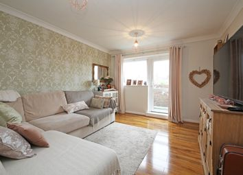 Thumbnail 1 bed flat to rent in Goldcliff Close, Morden