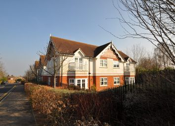 Thumbnail 2 bedroom flat to rent in Semaphore Road, Guildford