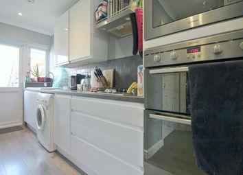 2 bed maisonette to rent in Herlwyn Avenue, Ruislip HA4