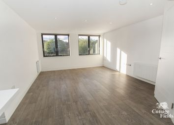 Thumbnail 1 bed flat to rent in Spencer Avenue, London