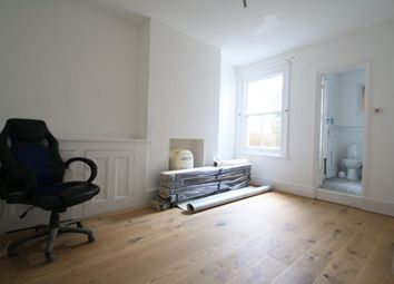 Thumbnail 1 bed flat to rent in Leigh Hill, Leigh-On-Sea