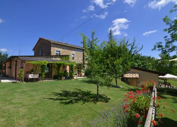 Thumbnail 6 bed country house for sale in Penna San Giovanni, Penna San Giovanni, Macerata, Marche, Italy