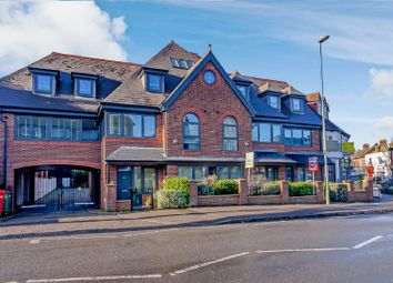 1 bed flat for sale in Hare Lane, Claygate, Esher KT10