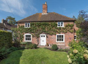 The Street, Wickhambreaux, Canterbury, Kent CT3. 3 bed detached house