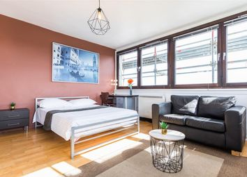 Bethune Road, London N16. 4 bed flat