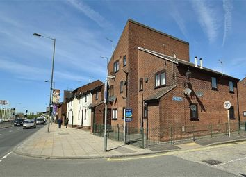 Thumbnail 1 bed flat to rent in Trinity Court, Fish Street, Hull