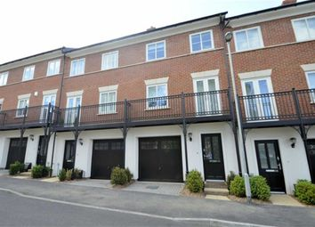 Thumbnail 3 bed town house to rent in Mowbray Close, Epping