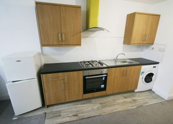 Thumbnail 1 bed flat to rent in High Street, Gateshead