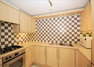 Thumbnail 3 bed flat to rent in Toynbee Street, Liverpool Street/Aldgate East