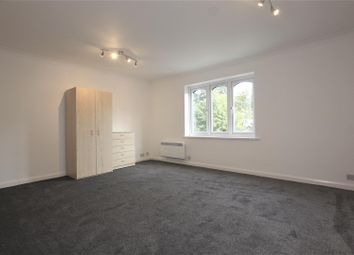 2 bed maisonette to rent in Springfield Road, London N11