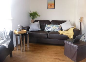 Thumbnail 1 bed town house to rent in Lincoln Road, Guildford