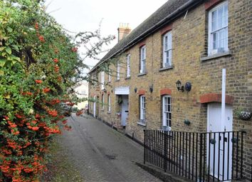 Thumbnail 2 bed flat to rent in Stratford Lane, Rainham, Gillingham