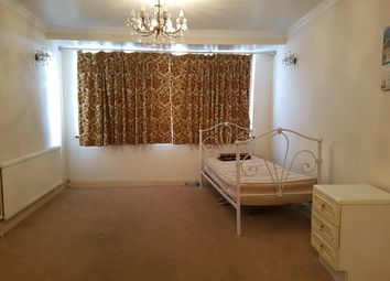 Thumbnail Semi-detached house to rent in Orchardleigh Avenue, Enfield