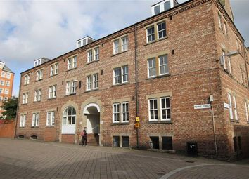 Thumbnail 2 bedroom flat for sale in Peel House, Temple Street