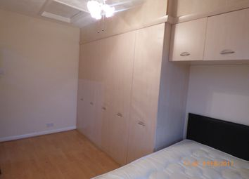 Thumbnail Room to rent in Queens Walk, Peterborough