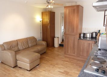 Thumbnail 1 bed flat to rent in Woodside, Oxwich
