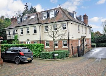 Thumbnail 3 bedroom flat for sale in Georges Wood Road, Brookmans Park, Hatfield