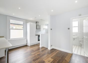Thumbnail 3 bed flat to rent in Sternhold Avenue, London