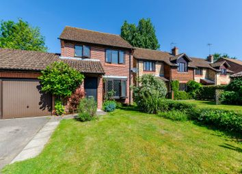 Thumbnail 3 bed detached house to rent in Streeters Close, Godalming