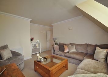 Thumbnail 1 bed flat to rent in Wingfield Court, Banstead