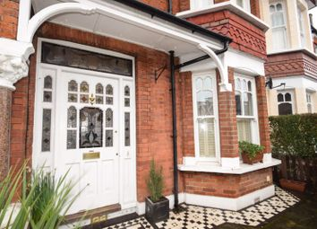 3 bed property to rent in Milner Road, London SW19