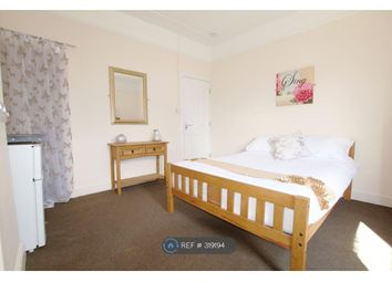 Thumbnail Room to rent in Rosliston Road, Burton-On-Trent